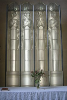 220px-Lalique_glass_altarpiece_in_the_Glass_Church_Jersey